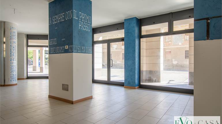 Commercial Premises / Showrooms for sale in Busto Arsizio